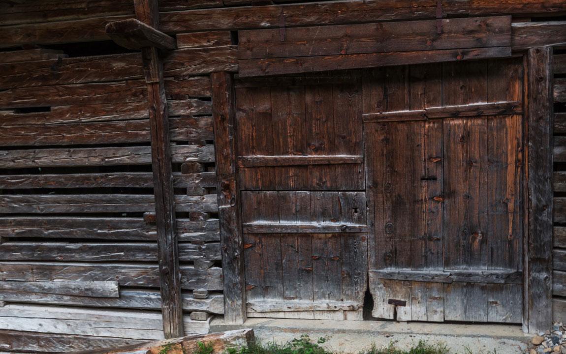 Porte de grange boudin chalet frison en beaufortain - Boudin de porte casa ...