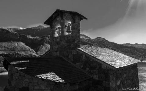 Chapelle de Roselend, reconstruite après la mise en eau du barrage