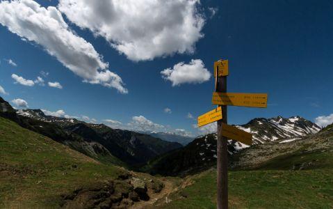 Au col de la Louze (2119 m), au-dessus du lac de Saint-Guérin